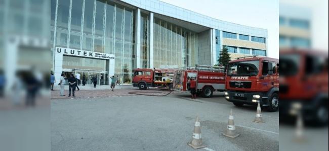 Bursa'da Teknoloji Merkezi'nde Çıkan Yangın Korkuttu