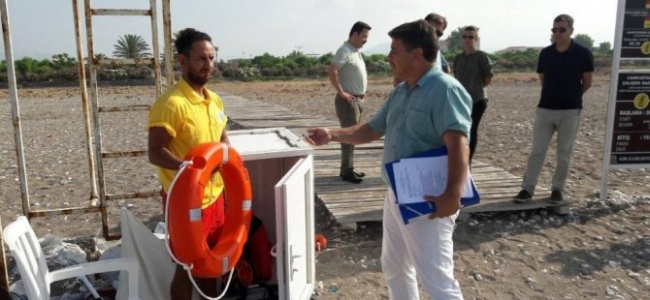 Kumluca'da Yüzme Bölgeleri Sıkı Denetimden Geçti