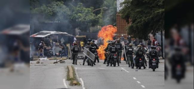 Venezuela'da Protestolar Hala Devam Ediyor: 3 Ölü