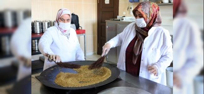 Kuruyemişin Hası Olan Çedeneli Kavurga Yozgat'ta Üretiliyor