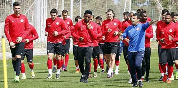 Antalyaspor'da Osmanlıspor Maçı Öncesi Çalışmalar Sürüyor