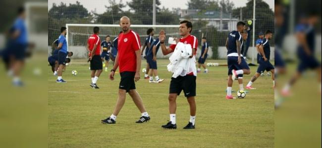 Antalyaspor'un Yeni Hocası Leonardo İlk Antrenmanına Çıktı