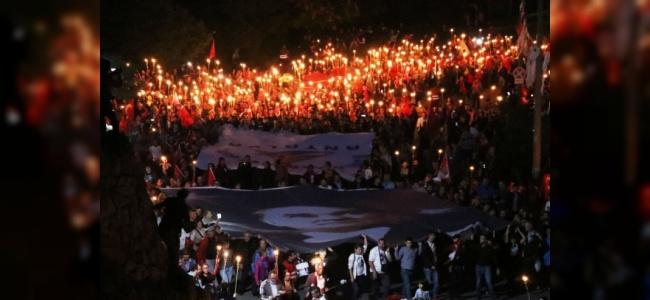 600 Metrelik Türk Bayrağıyla Yürüyüş Düzenlendi