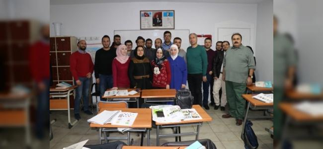 Suriyeli Gazetecilere Türkçe Eğitim Kursu
