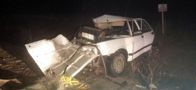 Başkentte Otomobille Kamyonet Kafa Kafaya Çarpıştı: 2 Ölü