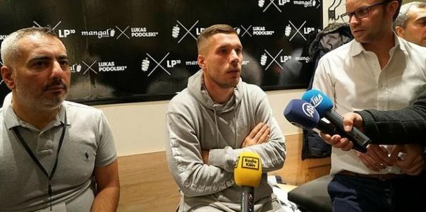 Döner Büfesi Açan Podolski'den Beşiktaş Yorumu
