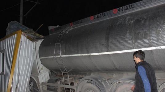 Freni Boşalan Su Tankeri Faciaya Yol Açıyordu