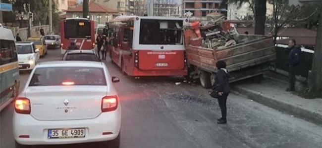Zincirleme Trafik Kazasında Otobüsteki 5 Yolcu Yaralandı