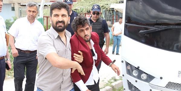 Meral Akşener'in Mitinginde Şehit Yakınına Darp!