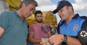 Polis Ekipleri Kurban Satıcılarını Dolandırıcılığa Karşı Uyardı