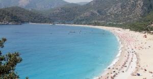 Bayram Tatili Antalya'daki Turizm İşletmecilerinin Yüzünü Güldürdü
