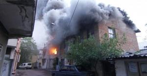 Antalya'da Meydana Gelen Yangın Korku...