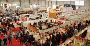 İstanbul'da Kitap Fuarı Yolunda İzdiham Yaşandı