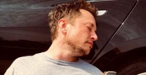 """Elon Musk İflas Mı Etti? """"Tamamen İflas Ettiğini Bildirmekten.."""""""