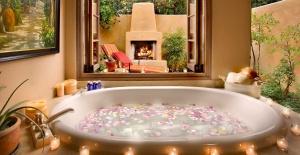 Jakuzili Banyolar İçin Dekorasyon Fikirleri