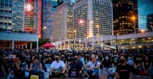 ÇİN'İN HONG KONG EYALETİNDEKİ PROTESTOLAR, ZOR ANLAR YAŞATIYOR!