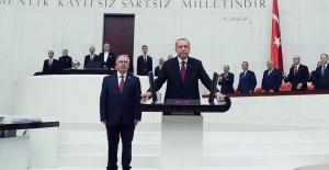 İlhan Kesici Erdoğan'ı Tebrik Etti, CHP'liler Tarafından Linç Edildi!