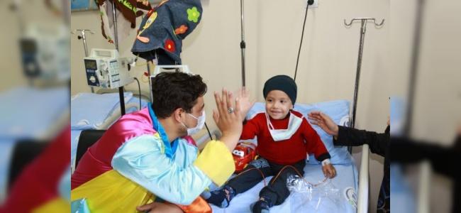Adana'da Lösemili Çocuklar İçin Hastanede Eğlence Düzenlendi