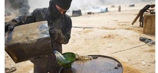 Araplar YPG/PKK'nın çaldığı petrol yüklü 10 tankere el koydu