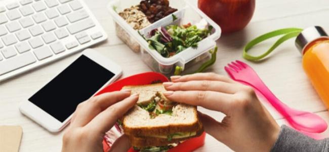 Evde çalışırken sağlıklı beslemenin yolları