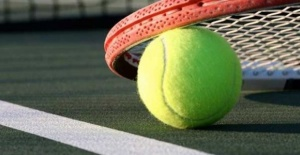 Tenis Ayakkabısı Zorunluluğu
