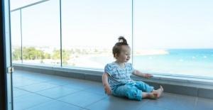 Bir balkonu kapatmak, küçük ortamları genişletmeye nasıl yardımcı olabilir?